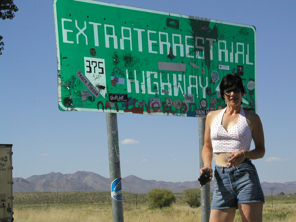 Nevada highway 375 the extraterrestrial highway copyright 2004 paula